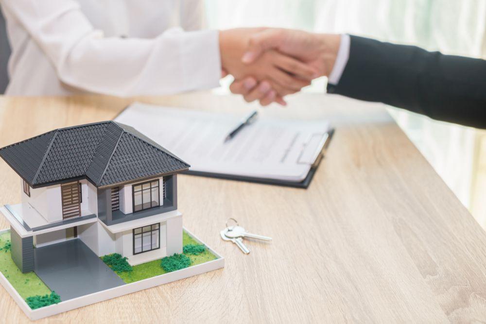 Choisir un courtier immobilier en ligne pour sa nouvelle maison